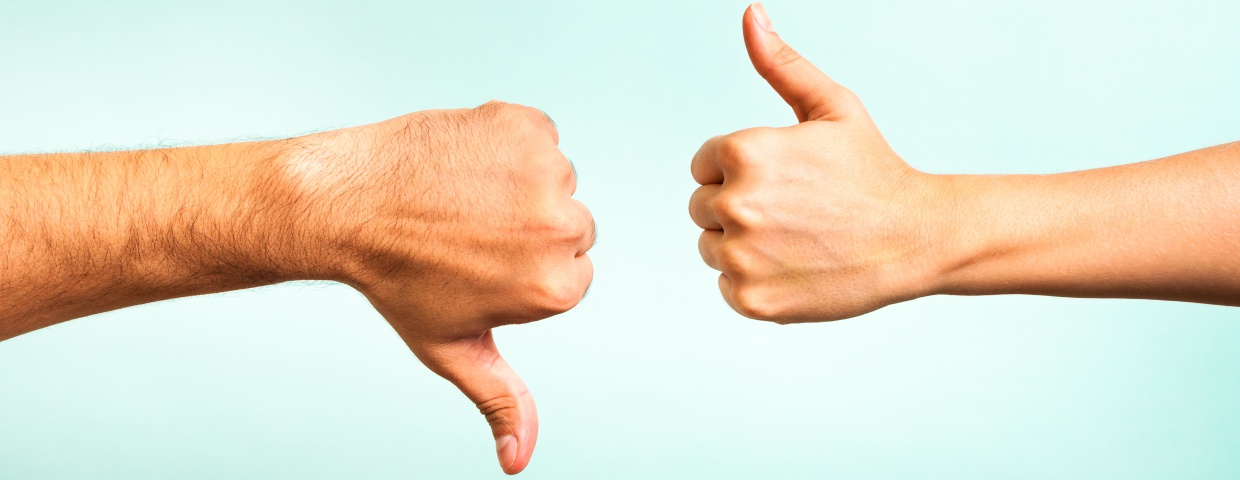 thumbs up and thumbs down representing google reviews